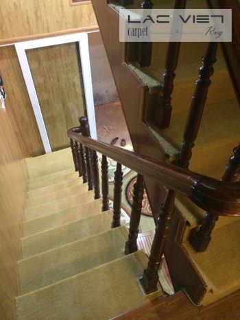 Thảm xù trải cầu thang