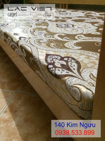 Đệm trải ghế gỗ màu vàng