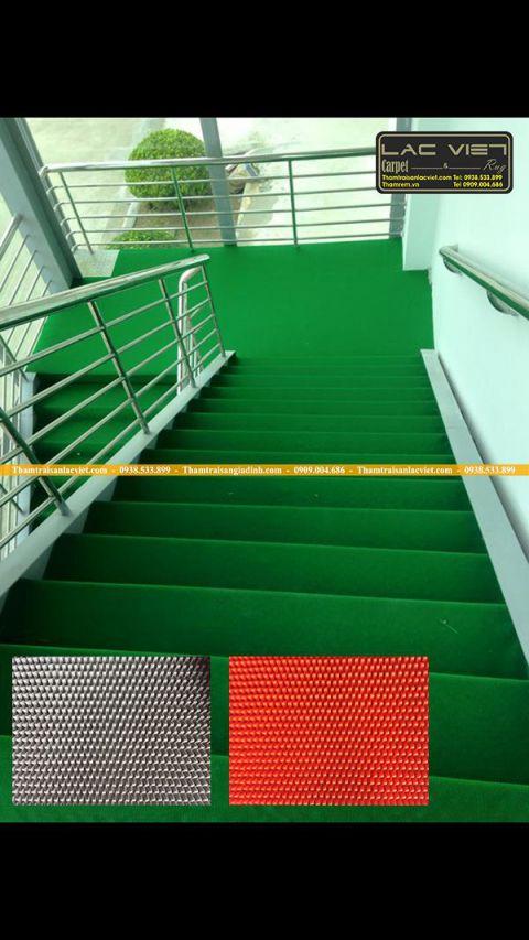 chống trơn cầu thang ngoài trời