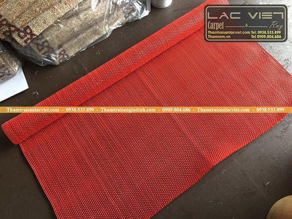 Thảm nhựa lưới zic zac màu đỏ LVT 322