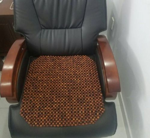 Sử dụng nệm lót ghế văn phòng hạt gỗ – Tại sao không?