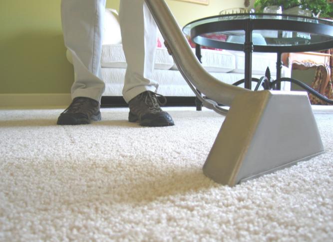 Cách vệ sinh thảm tại nhà bằng máy hút bụi
