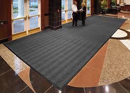 Đa dạng kích cỡ và ứng dụng của thảm chùi chân đế đen