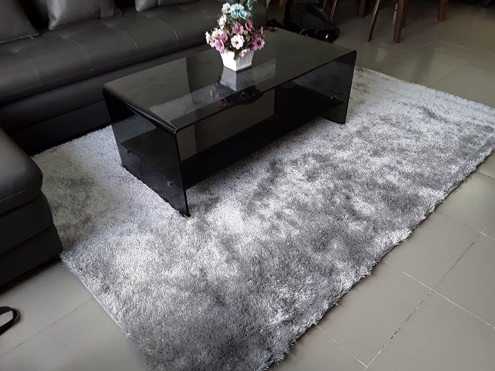 Thảm lông phòng khách kiểu trơn – Đơn giản nhưng sang trọng