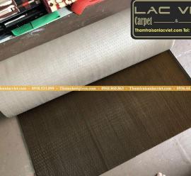 Thảm nhựa gai sầu riêng màu nâu