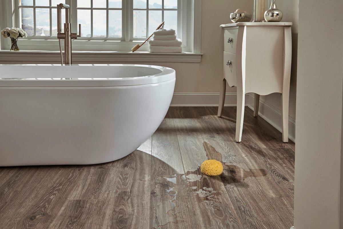 Rẻ mà đẹp cùng tấm lót sàn nhà tắm bằng nhựa